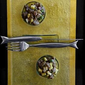 Tartare de Thon avec assemblage tartare et baies de Timut