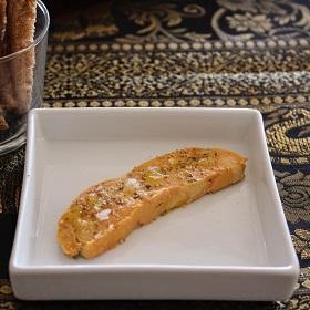 Foie gras cru au citron et au poivre sauvage